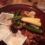52017693 - 変わり茸と旬野菜のグリル~3種のお塩で~