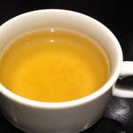 咖哩なる一族 - 淡路島玉ねぎスープ(ランチタイム時サービス)