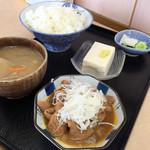 菜嘉村 - 小小豚汁定食700。