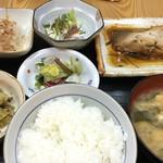 北田屋 - 料理写真:魚定食800円