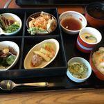 和食さと - 料理写真:食彩 四季めぐり膳(初夏)