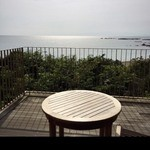 52022963 - テラス席からの海の眺め