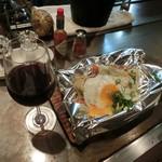 1029 - <2016年6月>1029野菜炒め、720円と、スペインの赤ボトルワイン3000円