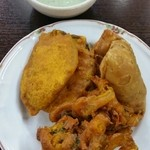 Handi レストラン - サモサ、パコラ