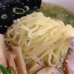 52035877 - 麺アップ