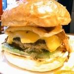 Island Burgers - ベーコン・エッグ・チーズバーガー