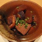 食彩千尋 - お通し、人ごとに違いました、こちらは蛸と大根の煮物