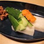 食彩千尋 - スティック野菜と自家製肉味噌添え 450円