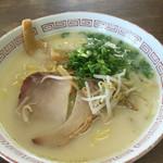 ぼりゅうむ食堂 - パイタンラーメン450円