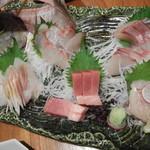 魚菜家旬の花 - 刺身盛り合わせ