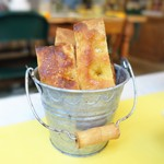 マンマルイーザステーブル - 自家製フォカッチャ