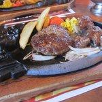 ブロンコビリー - やわらかカットステーキとハンバーグランチ