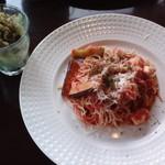 珈琲舎 珈紋 - 茄子とモッツァレラのトマトソースパスタ