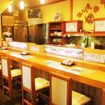 割烹食堂 伊豆菊 - 1階カウンター席