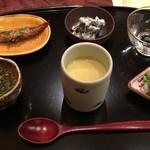 52052633 - 前菜盛り合わせ(稚鮎煮つけ、蓴菜、冷茶碗蒸しなど)