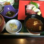 い川 - 刺身定食
