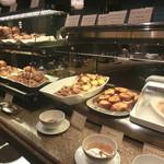コーヒーショップ シンフォニー - 種類の豊富なパン