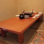博多発祥 とり皮・もつ鍋 よのすけ - お座敷席です