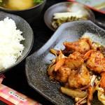 焼肉ハウス21 - ピリ辛ホルモン定食