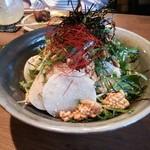 駿 - 水菜と山芋のおこげサラダ【山芋と中華おこげを青しそドレッシングで…】