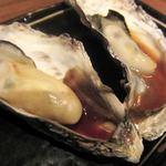 赤羽のざきや - 蒸し牡蠣 雲丹ソースと九州醤油