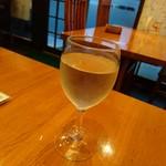 52067270 - グラスワイン