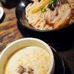 神虎 - 季節ダレ「鮭キャベクリーム」のつけ麺