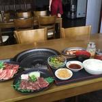 牛倭心伝 - 一番手軽なハラミランチ¥650に原価のお肉を別オーダーするとお得です!