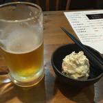 からあげ食堂 黒べえ - ポテサラ〜 ビール飲んじゃったf^_^;)
