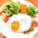 カフェ バニヤン - ガパオ(ランチタイム限定)