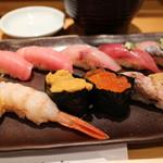 つきぢ神楽寿司 - まんぞく握り 2500円。