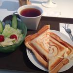 カフェ ロロパパ - 料理写真:チーズホットサンド