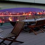 ホテルリバージュアケボノ ビアテラス - 足羽川沿い30メートルからの夜景