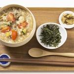 伊藤軒 - 10種野菜の彩り雑炊