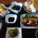 岡田屋 - 料理写真:平日限定ランチ¥1,000-