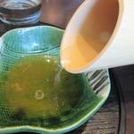 九頭龍蕎麦 - 竹筒で出される自然体の蕎麦湯