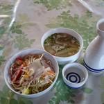 チョムパイ - 2016/02/28 11:40訪問:熱燗、サラダ、スープ