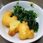 52098074 - 海老のマヨネーズソース・豆苗の炒め