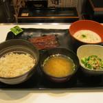 吉野家 - 2016年夏限定「麦とろ鰻皿御膳」です。