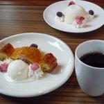 櫻丸珈琲 - 珈琲とアップルバニラ、レアチーズケーキ