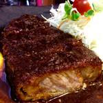 52100107 - 分厚い豚肉。