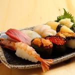 恵美須商店 - お寿司も各種取り揃えてます