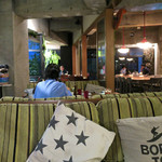 コマザワ パーク カフェ - 日が暮れてからの雰囲気もヨシ