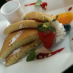 52107131 - 柿の木『ホットケーキ&フルーツ』 700円