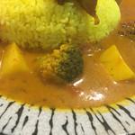 スパイスキッチン ガウタム - ブロッコリーとジャガイモのカレー