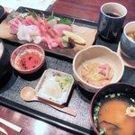 底曳き割烹 もんぜん - 日本海刺身膳 1,680円