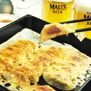 博多鉄鍋餃子を楽しむ食べ放題メニューございます!