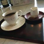 強羅天翠 - 食後のコーヒーは、湯なしの足湯バーにて。