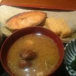 めしの助 - 焼鮭定食