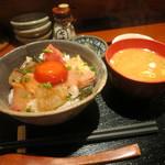 めしの助 - 小さめ海鮮丼